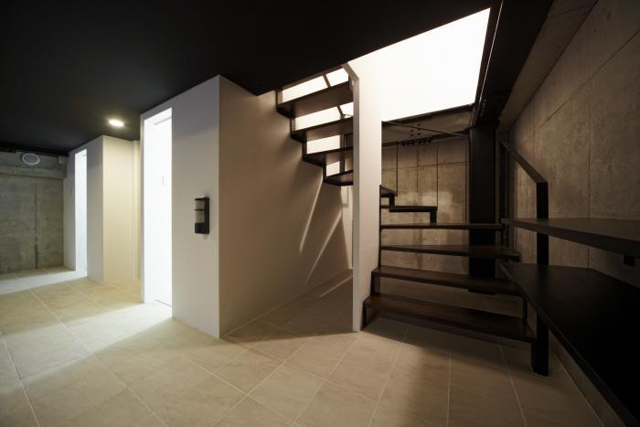 地下車庫・階段・エレベーター