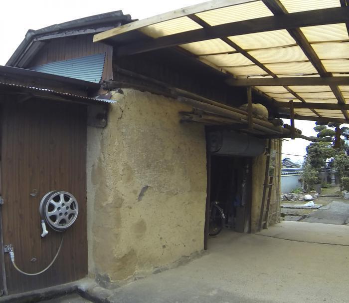 練塀建築の例:M家堆肥舎